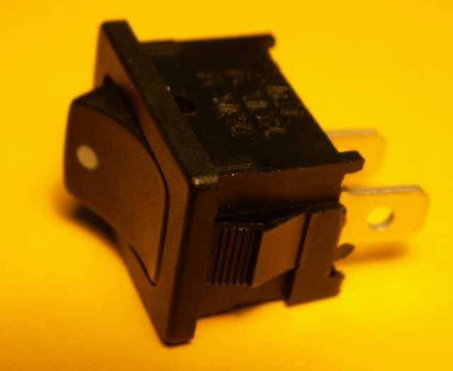 BEL - lepší nabídku nenajdete: Kolébkový vypínač.